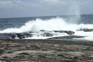 Waves breaking - Fanny Cove