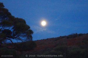 Moonrise, Waltumba Camping Area, Lake Gairdner, South Australia